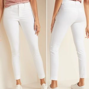 💕Old Navy Pixie Mid Rise White Pants
